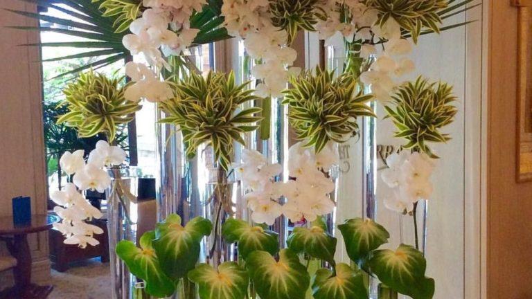 Beautiful Modern Flower Arrangements Design Ideas 16
