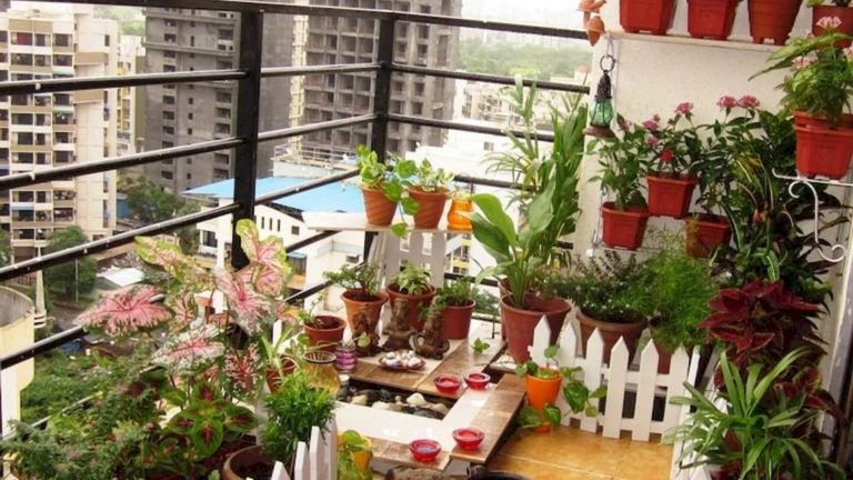 Stunning Apartment Garden Design Ideas 05