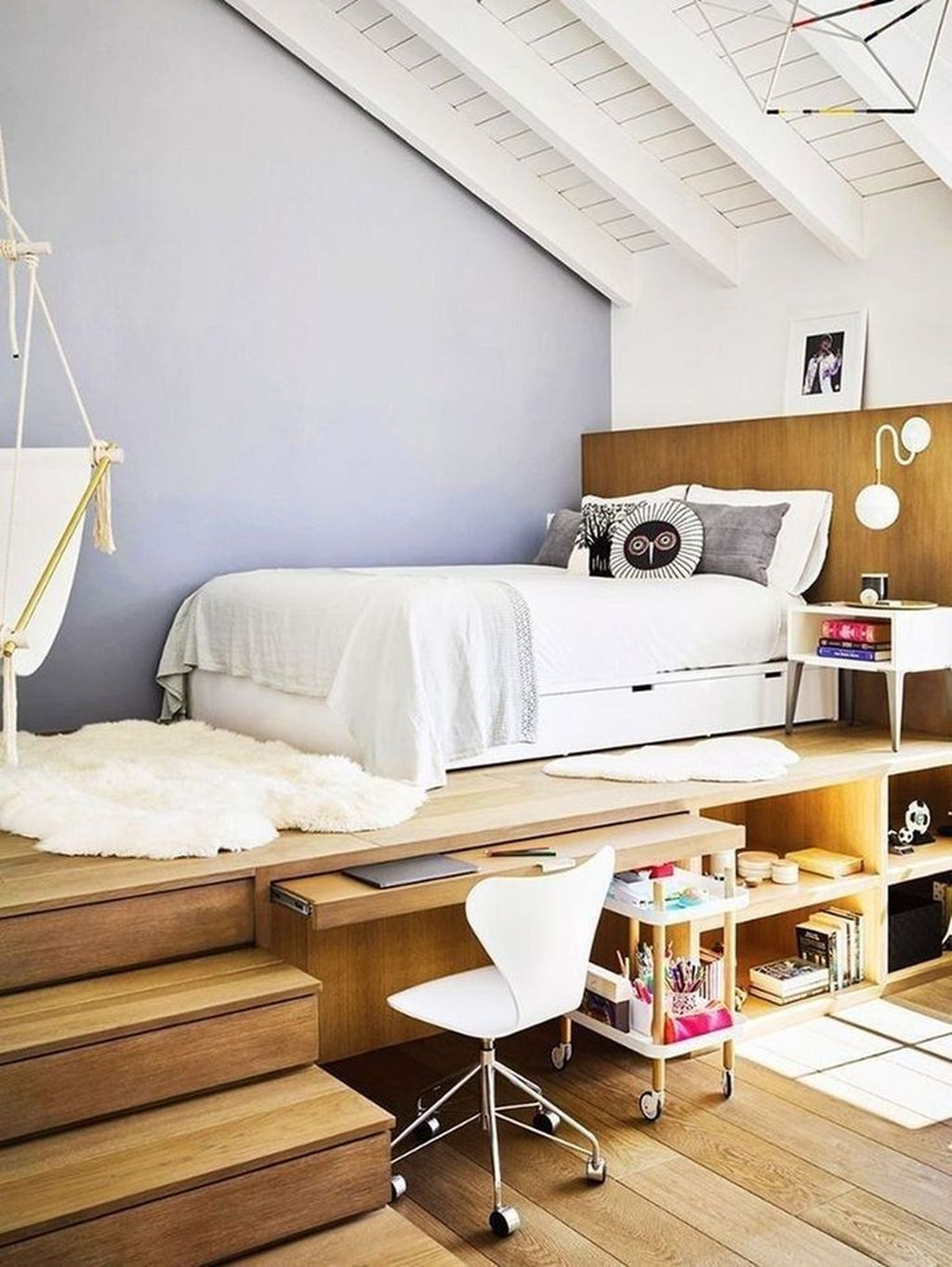 Amazing Attic Bedroom Design Ideas That You Will Like 23 Magzhouse