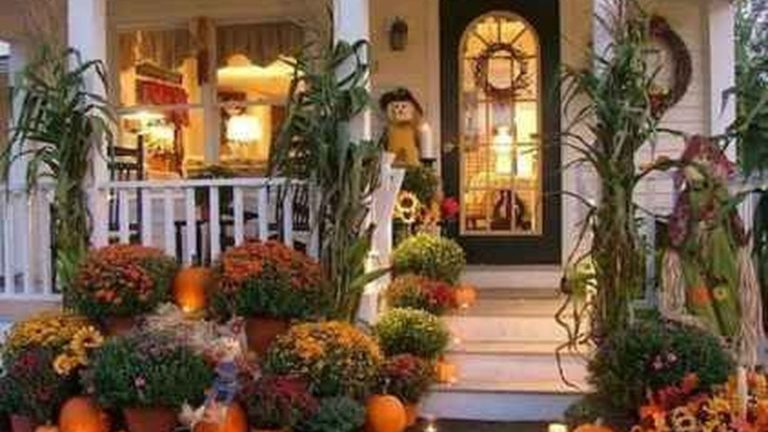 Amazing Front Porch Fall Decor Ideas That You Never Seen Before 20