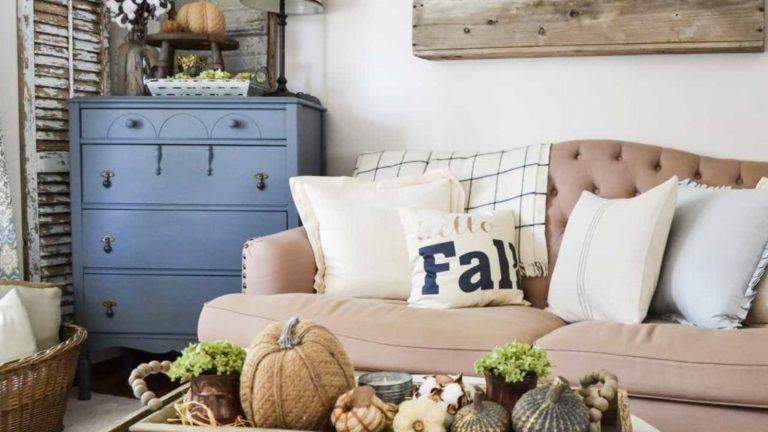 Inspiring Fall Living Room Decor Ideas On A Budget 05