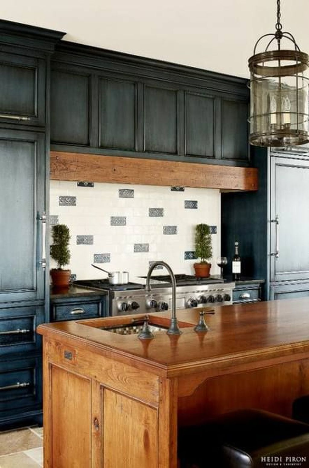 Stunning Navy Kitchen Cabinets Ideas You Have Must See 28 ...