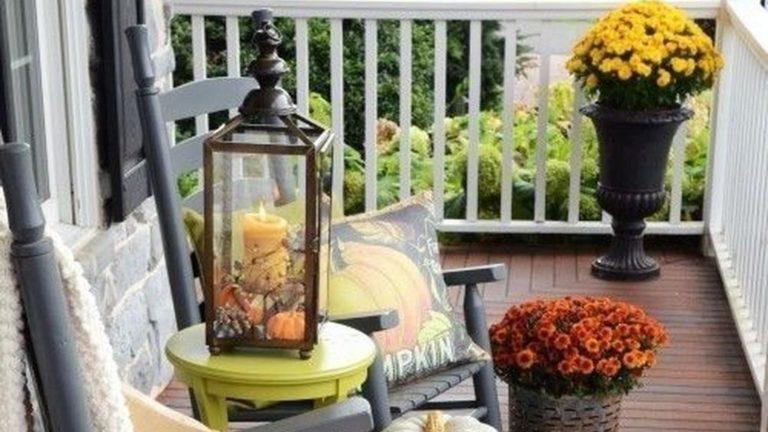 The Best Apartment Balcony Decor Ideas For Fall Season 26