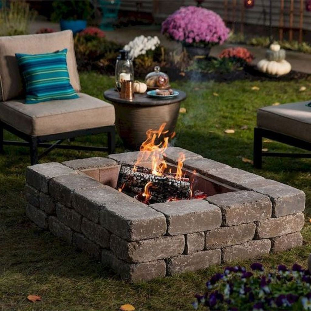 Inspiring Backyard Fire Pit Ideas 17