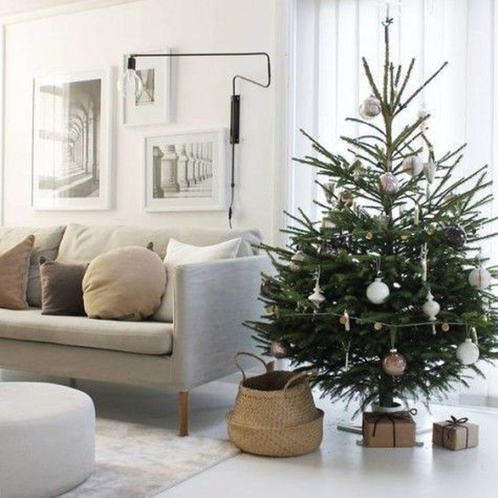 Popular Minimalist Winter Decor Ideas You Should Try 01