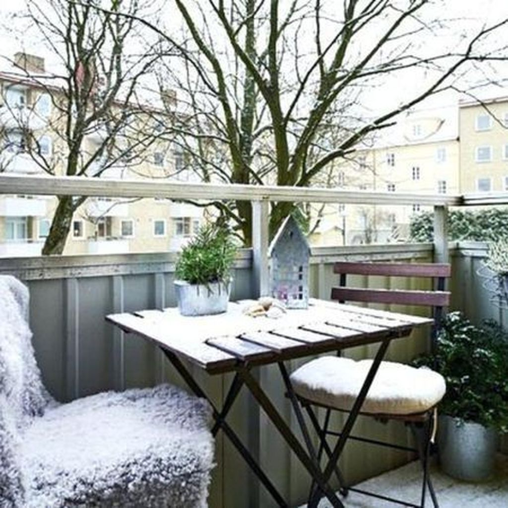 Stunning Apartment Balcony Decor Ideas For This Winter 26