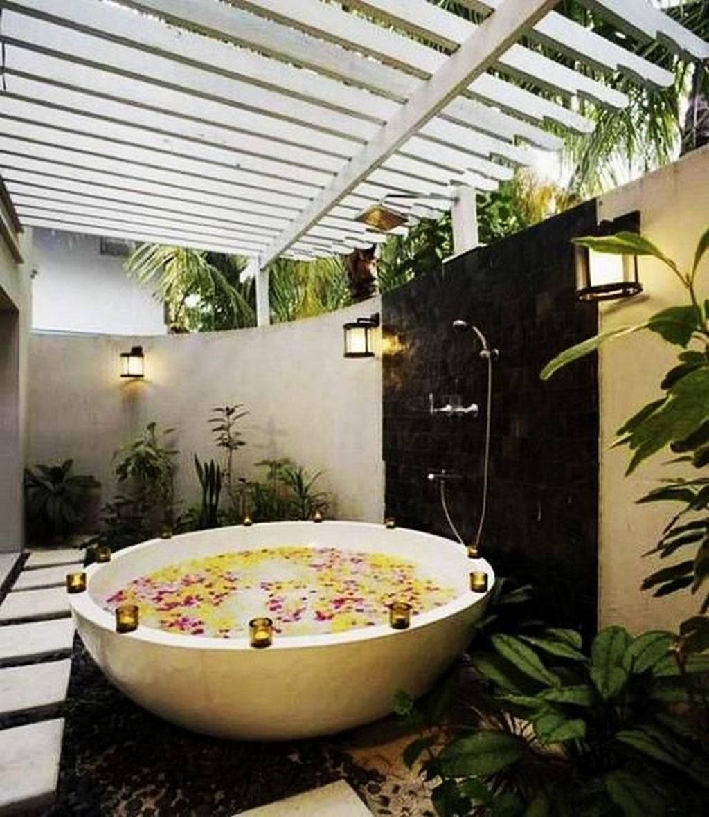 Stunning Outdoor Bathroom Design Ideas You Should Try 07 Magzhouse
