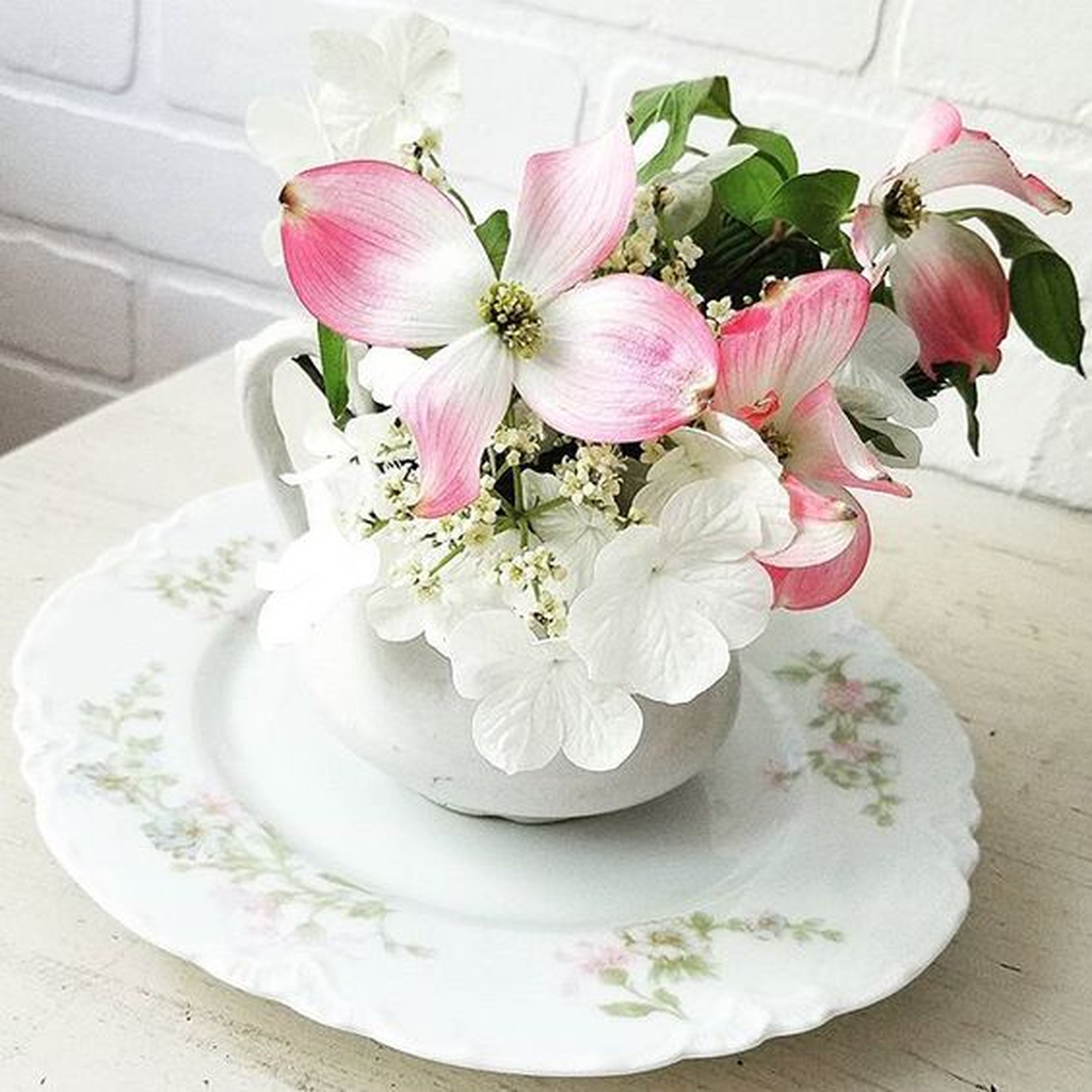 Beautiful Spring Floral Arrangements For Home Decoration 10
