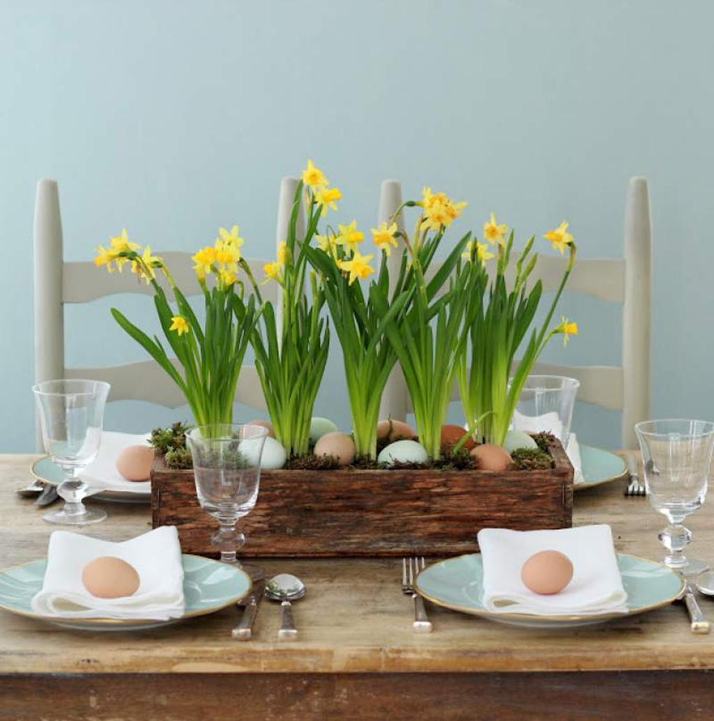 Inspiring Spring Table Centerpieces Best For Dining Room 15