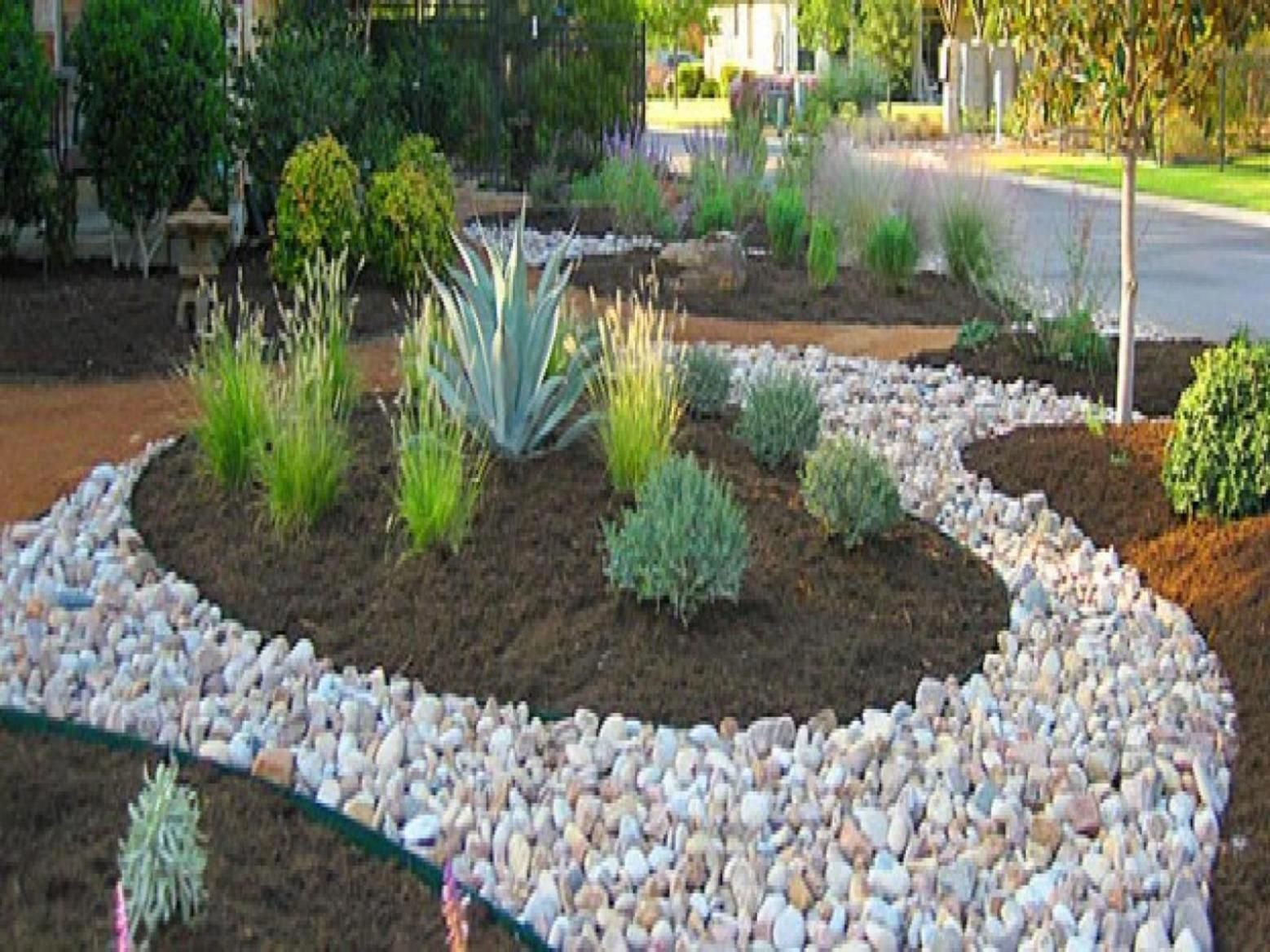 Front Yard Landscaping Ideas With Rocks And Mulch