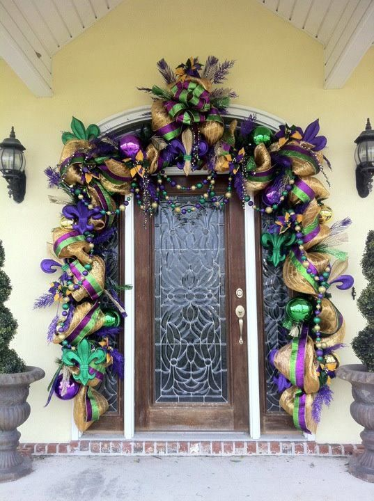 Mardi Gras Outdoor Decorations