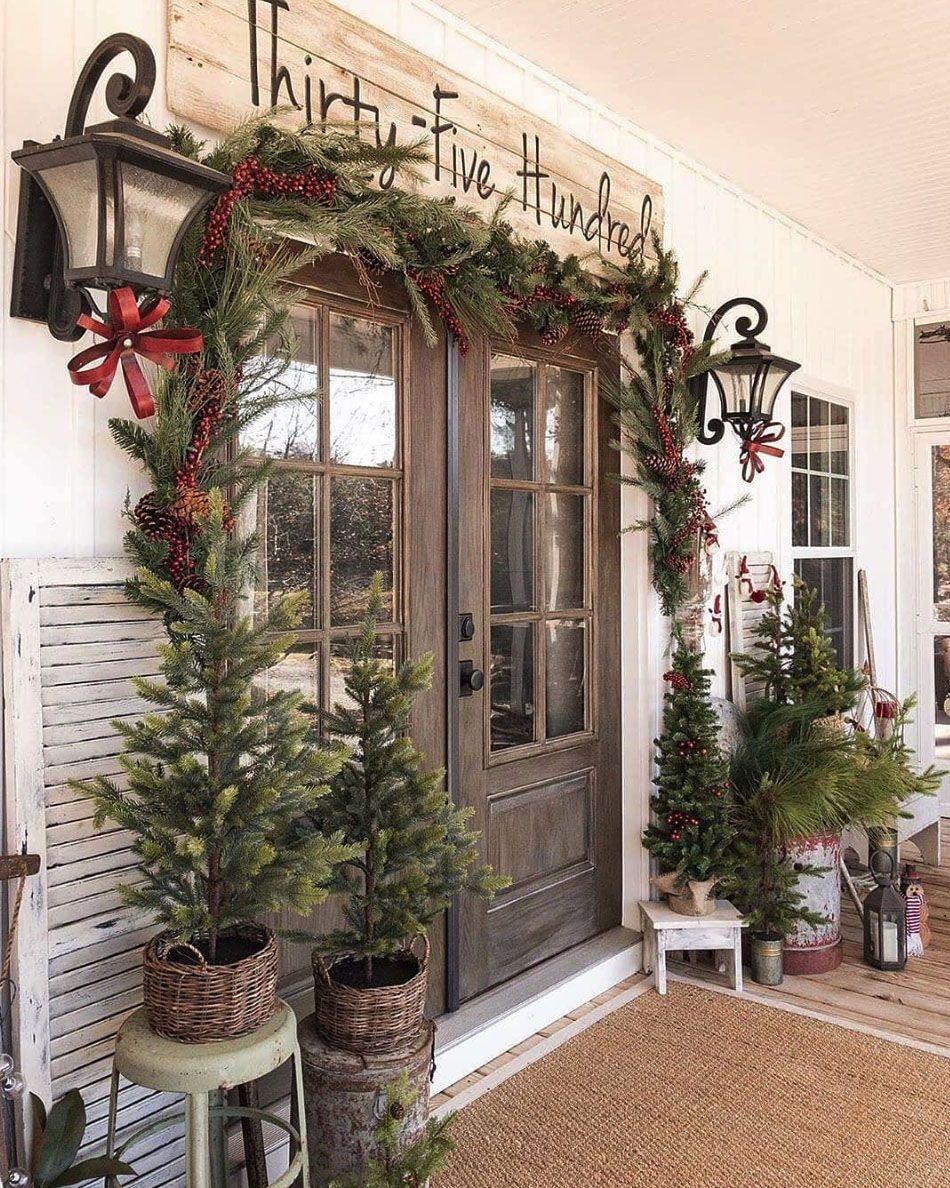 Farmhouse Christmas Outdoor Decor